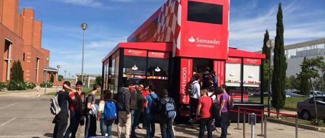 imagen de La UCLM se une al campeonato de F1 del Motorhome Santander Universidades
