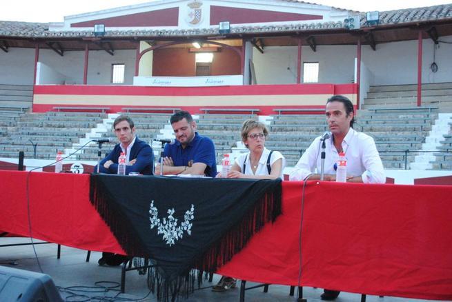 """Imagen: """"El Cordobés"""", Uceda Leal y Emilio Huertas, cartel taurino de las """"Fiestas del Vino"""" de Valdepeñas"""