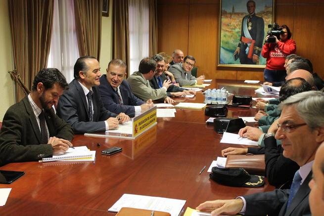 Imagen: Gregorio preside la Comisión Regional de Coordinación sobre Vialidad Invernal ante el inicio de la campaña 2015-2016