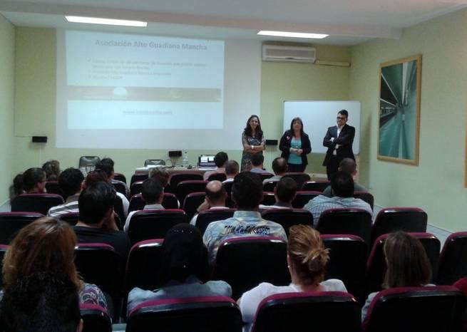 Imagen: Villarrubia de los Ojos acogió un taller de Marketing y Comercialización para fomentar la creación de microempresas