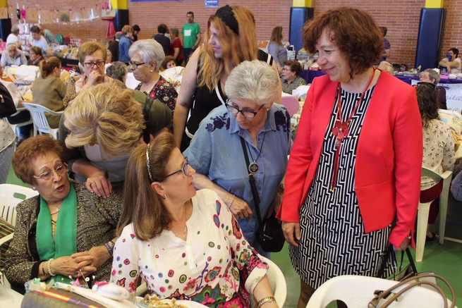 El pabellón Picasso volvió a acoger en Alcázar de San Juan una nueva edición del Encuentro Nacional de Encajeras
