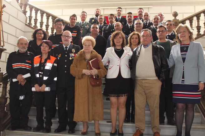 La Policía Local de Alcázar reconoció a alcaldesa y concejala de Seguridad como mujeres pioneras al frente de Ayuntamiento y del área de Seguridad Ciudadana