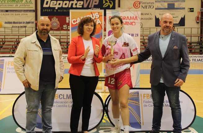 La fase final regional junior de baloncesto femenino se celebró en el Díaz Miguel de Alcázar de San Juan