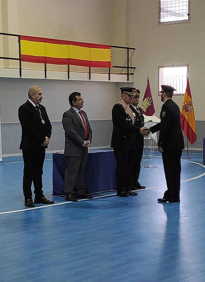 La Honorable y Real Orden de Caballeros de San Cristóbal condecora a la Policía Nacional de Castilla-La Mancha