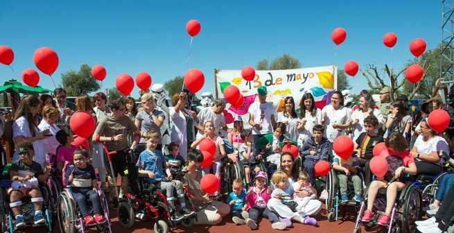 Los hospitales de Castilla-La Mancha celebran un año más el Día del Niño Hospitalizado lanzando besos y abrazos