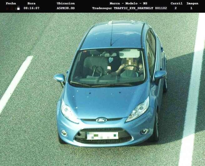 Comienza la 1ª fase de la operación salida de Semana Santa con cámaras que captan y denuncian el uso manual del móvil al volante