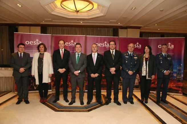 """El presidente de Castilla-La Mancha aboga por centrarse en lo que le preocupa a la gente como nuevo """"factor de competitividad"""""""