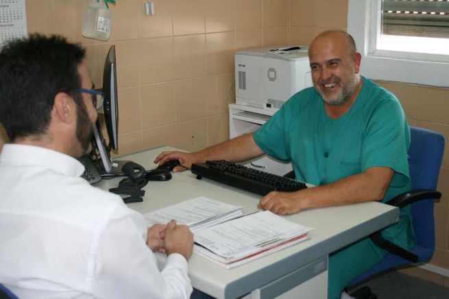 La consulta de Enfermería de Ostomías del Hospital de Puertollano elabora un protocolo para facilitar la vida a los pacientes con un estoma