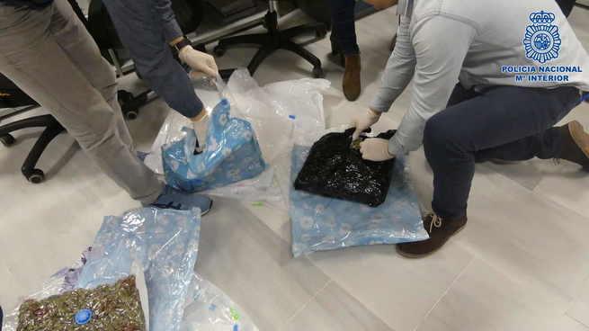 La Policía Nacional desarticula un grupo criminal que exportaba éxtasis y marihuana a países de Europa
