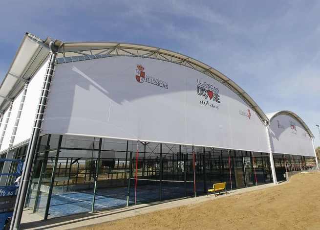 Se inauguran las pistas cubiertas municipales de pádel en Illescas