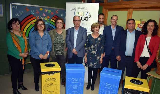 """El Gobierno regional y Ecoembes impulsan el reciclaje en los centros educativos a través de la """"Red de Colegios EducaEnEco"""""""