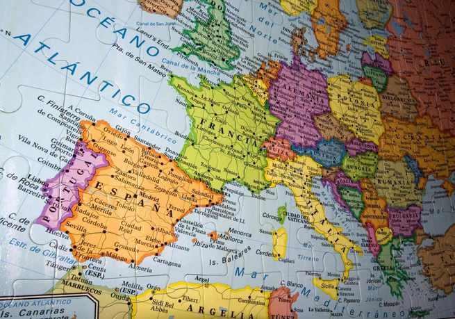 El Diario de Castilla-La Mancha publica la convocatoria de ayudas para formación de docentes en el extranjero el próximo verano
