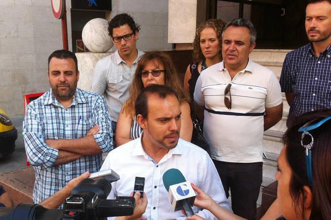 """imagen de El alcalde de Azuqueca acusa a la Junta de """"traición"""" por no construir el segundo centro de salud en la localidad"""