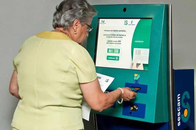 imagen de El SESCAM implanta puntos multimedia para reducir los tiempos de espera de pacientes en consultas externas