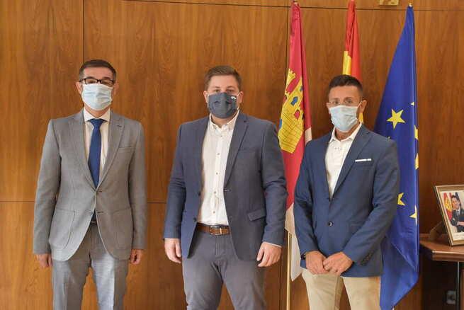 La Junta y la Diputación de Toledo se reúnen para revisar la seguridad vial en el barrio de Azucaica