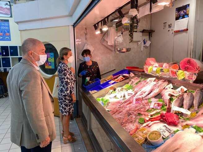 Milagros Tolón visita un nuevo local de gastronomía en el Casco Histórico que contribuye a la reactivación y creación de empleo