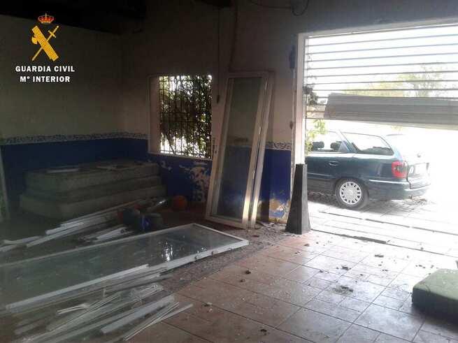 Detenidas tres personas por robar en una casa de campo en Villafranca de los Caballeros