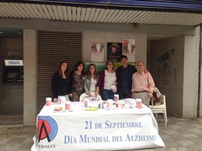 imagen de El alcalde acompaña a la Asociación de Familiares y Enfermos de Alzheimer de Cuenca en su cuestión anual