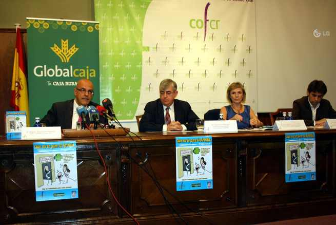 """imagen de El Colegio de Farmacéuticos de Ciudad Real pone en marcha la campaña """"Que no te pare la Artritis, pregúntanos"""""""