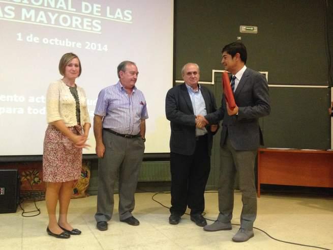 """imagen de La Fundación que gestiona el Centro de Mayores """"San Pedro"""" recibe el reconocimiento del Consejo Municipal de Mayores"""