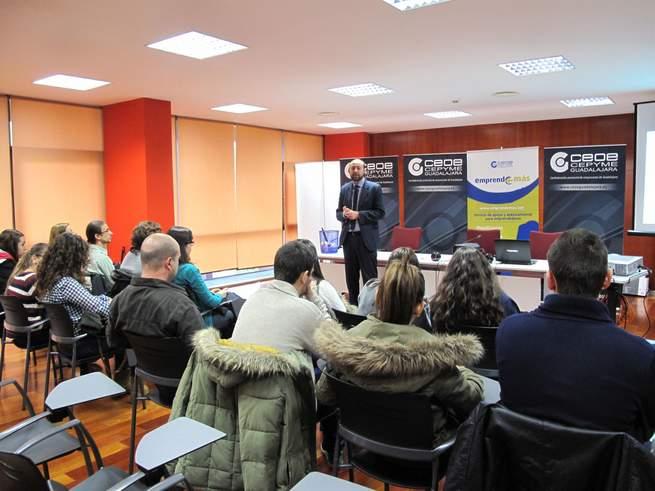imagen de Alumnos del Colegio Diocesano aprenden a ser empresarios a través del programa EMPRENDE+MÁS