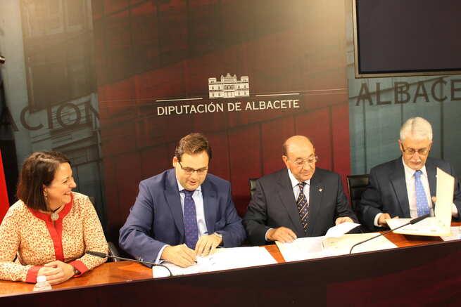 imagen de Fundación Caja Rural Albacete-Globalcaja y Diputación firman un convenio para  llevar actuaciones musicales a la provincia