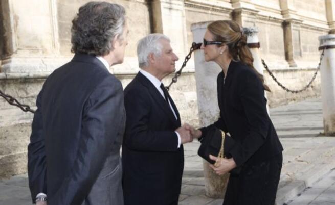 imagen de ¿Debió estar presente la Reina Emérita Doña Sofía en el Funeral de la Duquesa de Alba?