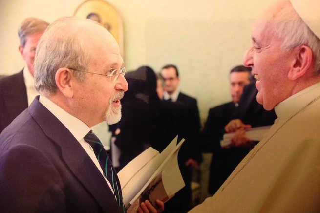 imagen de El Papa recibe al profesor de la UCLM Luis Arroyo