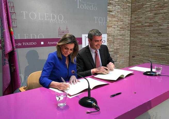 Imagen: La alcaldesa anuncia la actuación en Toledo de Carlos Baute el 21 de mayo y de Estopa el 11 de junio