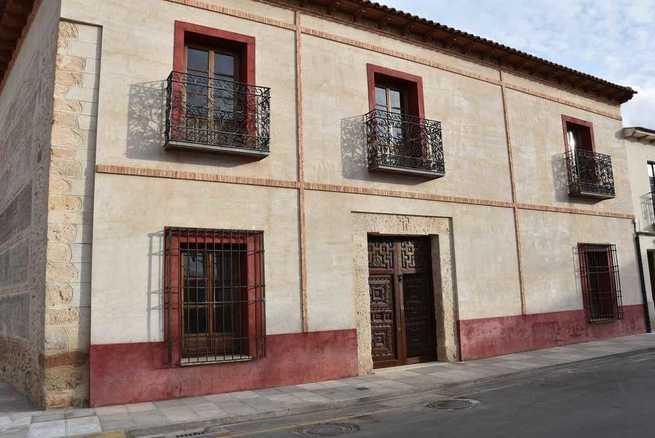 La biblioteca municipal de Miguelturra mantiene la prestación de todos sus servicios en verano