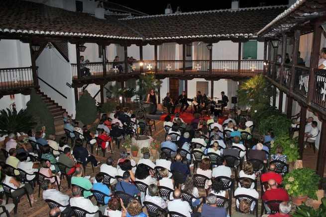 """Villarrubia de los Ojos envuelve agosto de música en directo con """"Las Noches del Santuario"""""""