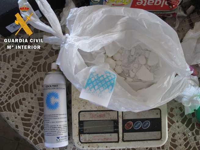 Desmantelado un punto de venta de droga en Nambroca