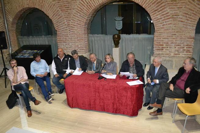 Imagen: Núñez destaca la gran calidad de las obras presentadas a los premios de poesía