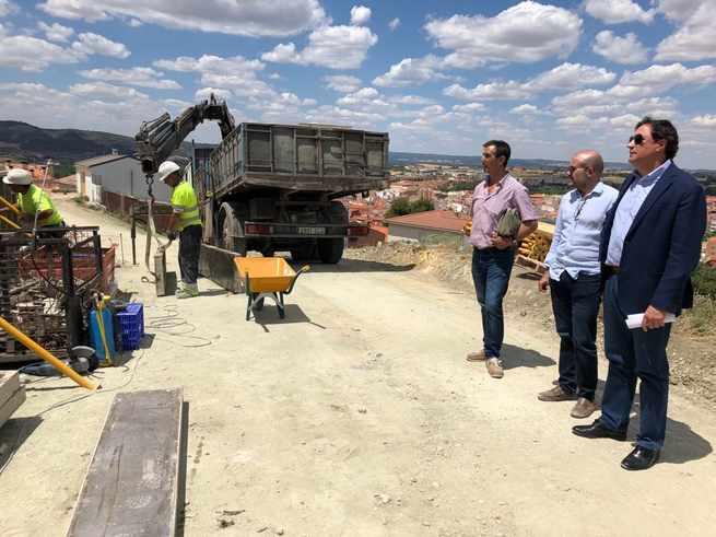 Las obras de la nueva calle que unirá el barrio de Tiradores con el de Santa Teresa marchan a buen ritmo