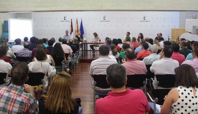 El Gobierno regional informa a las empresas licitadoras de cómo deben presentar sus propuestas para seguir mejorando el transporte escolar en Castilla-La Mancha