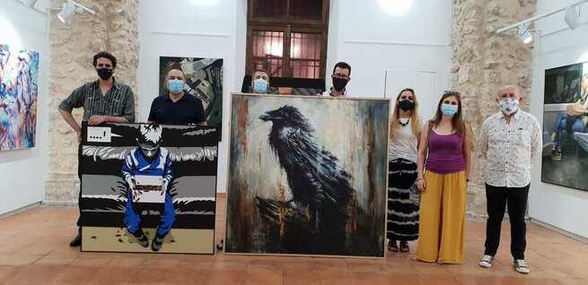 """""""Bestiario: El Cuervo"""" Y """"Pandoras´ Box"""", primer y segundo premio del XXIX Certamen de Pintura Antonio Arnau en Quintanar de la Orden"""