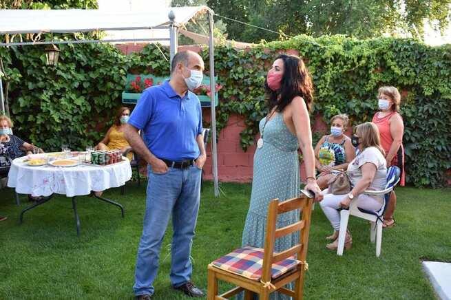 El Alcalde de Villarobledo visita la pedanía de Casas de Peña para felicitar a los vecinos las fiestas en honor a Santa Catalina