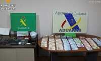 Cuatro detenidos en dos pueblos toledanos por tráfico de droga, blanqueo, tenencia de armas y falsificación