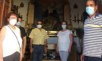 Dulces, visitas a la ermita y misa, en la celebración del barrio del Calvario de La Solana