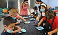 La Escuela de Verano de Valdepeñas se monta su propio 'MasterChef' elaborando cupcakes