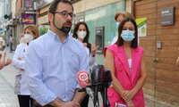 Gonzalo Redondo y Ana Isabel Fernández presentan en Alcázar los programas de ayudas para al comercio y hostelería tras la crisis sanitaria