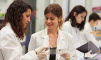 """""""la Caixa"""" destina más de 15 millones de euros  a la convocatoria de proyectos de investigación  en salud de 2020"""