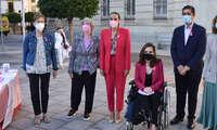 La alcaldesa de Ciudad Real se ha sumado al Día Internacional del Cáncer de Mama