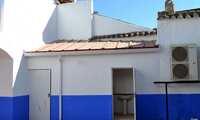 El Centro Juvenil de Granátula inicia la semana con grandes remodelaciones