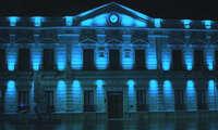 El ayuntamiento de Alcázar de San Juan se une a la celebración del Día de Europa iluminando de azul el ayuntamiento y los molinos, en el ocaso del 9 de mayo