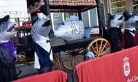 Presentados en la Plaza Mayor de Ciudad Real el catafalco de la sardina y los nuevos cabezudos de su cortejo