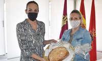 """Masías recibe a """"Pan Real"""" elegida entre las tres mejores panaderías de Castilla-La Mancha 2021"""