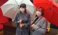 Los paraguas solidarios de Valdepeñas se ponen a la venta a beneficio de AFAD