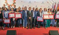 """El presidente de Castilla-La Mancha destaca """"la cultura del pacto"""" como elemento que propicia el éxito y pone como ejemplo a Farcama"""