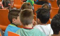El Ayuntamiento de Azuqueca concederá 700 becas de 60 euros para la compra de libros y material escolar